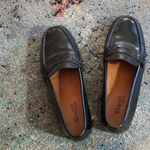 Penny Loafers Eejuns Bass size 7 m KatherineII